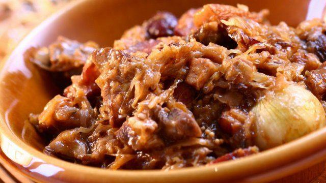 В бигосе - квашенная капуста и много мяса
