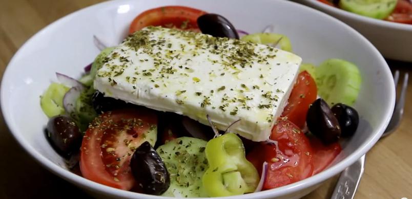 Греческий салат по классическому рецепту