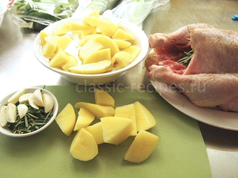 картофель режем крупными кусками